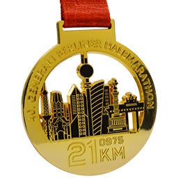 Médaille brillante couleur or