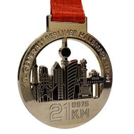 Médaille brillante couleur argent
